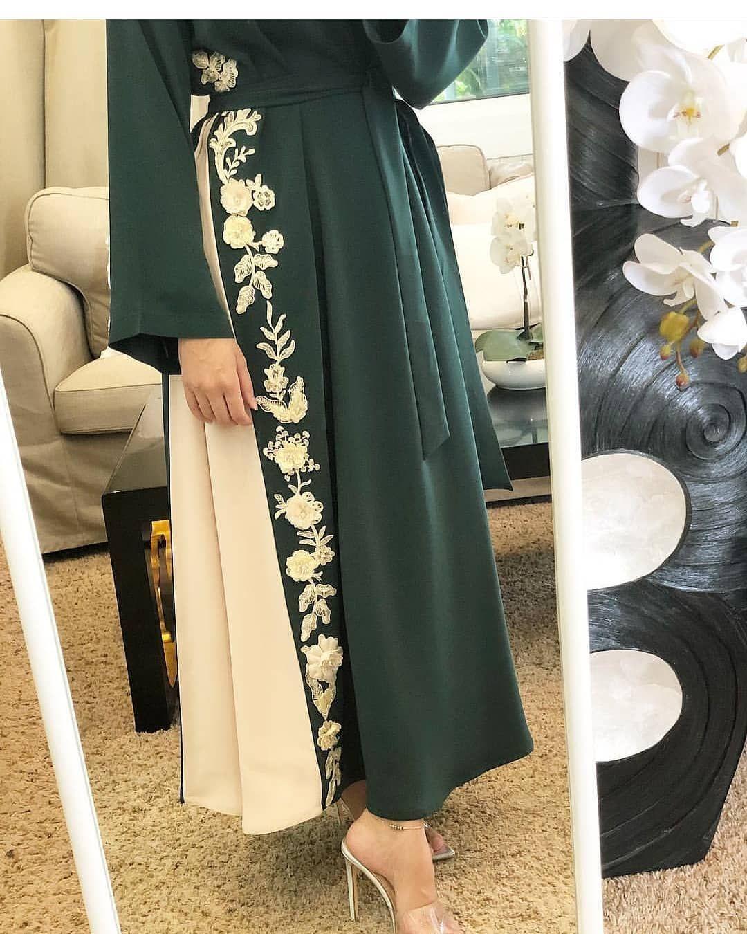 عبايات صنعت بالإمارات و صممت من أفضل أنواع الاقمشة و قد فصل منها قطعة واحدة فقط لتفضي التميز على من يقت Muslim Fashion Outfits Muslim Fashion Abayas Fashion