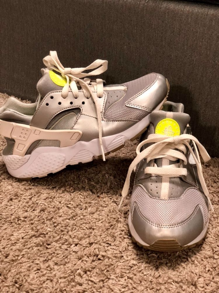 size 40 38f6c efce1 woman gray and lime green huaraches shoes. Size 5.5 pre ...