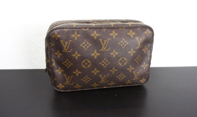 2368d35f541 Vintage Louis Vuitton Trousse Toilette 23 Pochette Cosmetics Bag ...