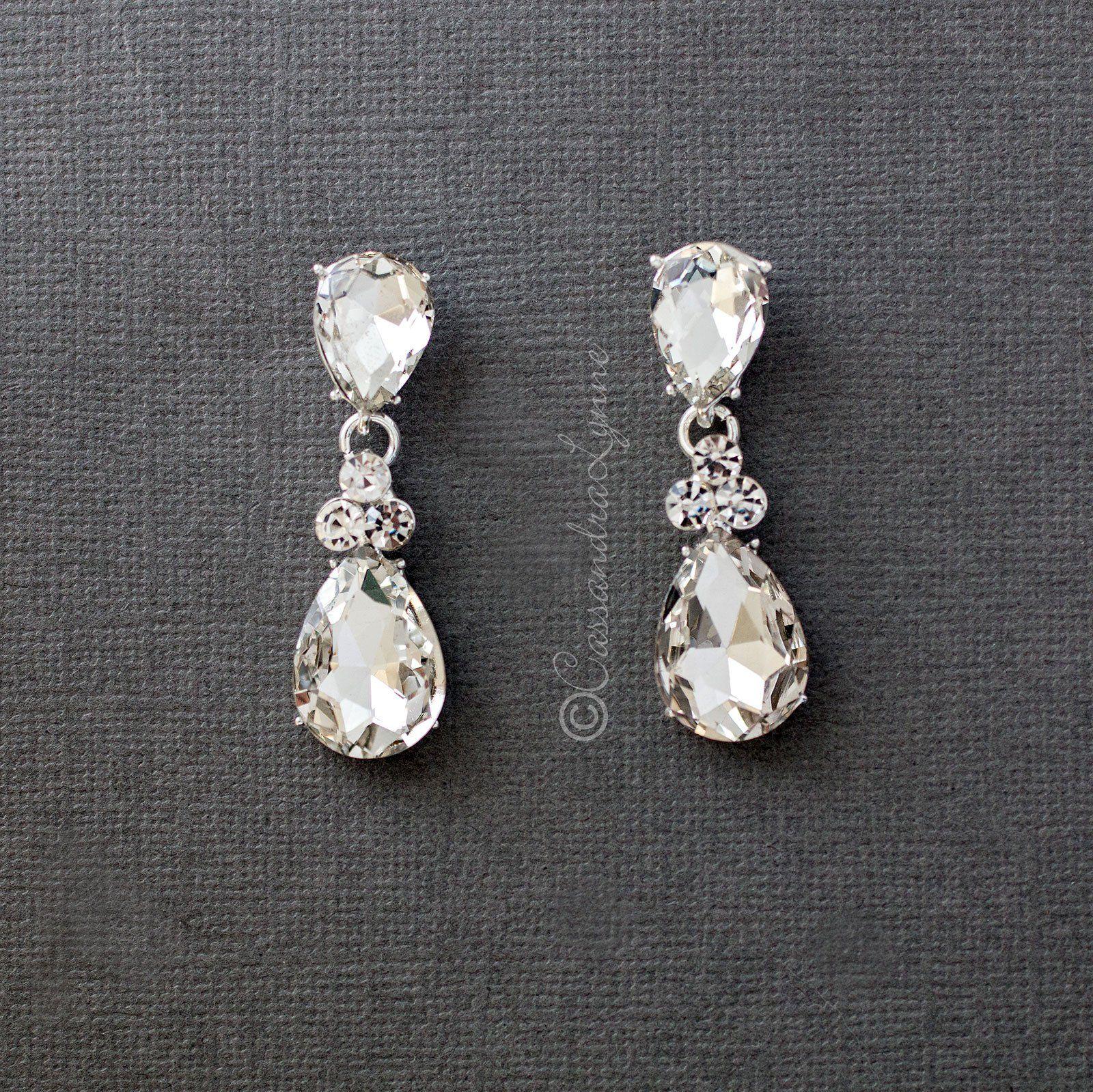 Large Crystal Drop Wedding Earrings In 2020 Wedding Earrings Drop Large Crystals Earrings
