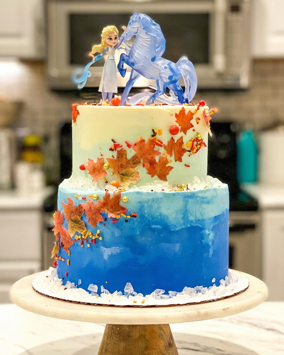 50 Drool Worthy Frozen Inspired Cakes That Look Too Good To Eat In