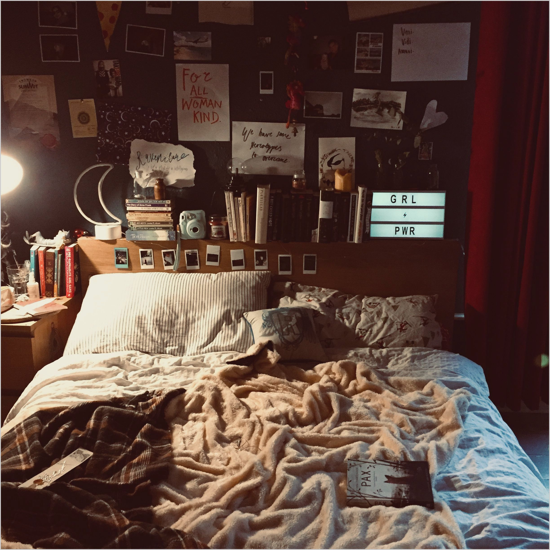 Vintage Bedroom Design Tumblr In 2020 Aesthetic Bedroom Bedroom