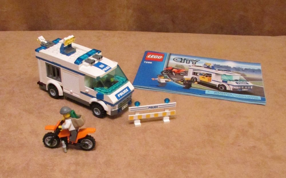 7286 City Prisioner Transport Complete Police Motorcycle Robber