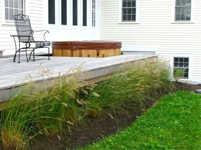 #fountain grass wooden