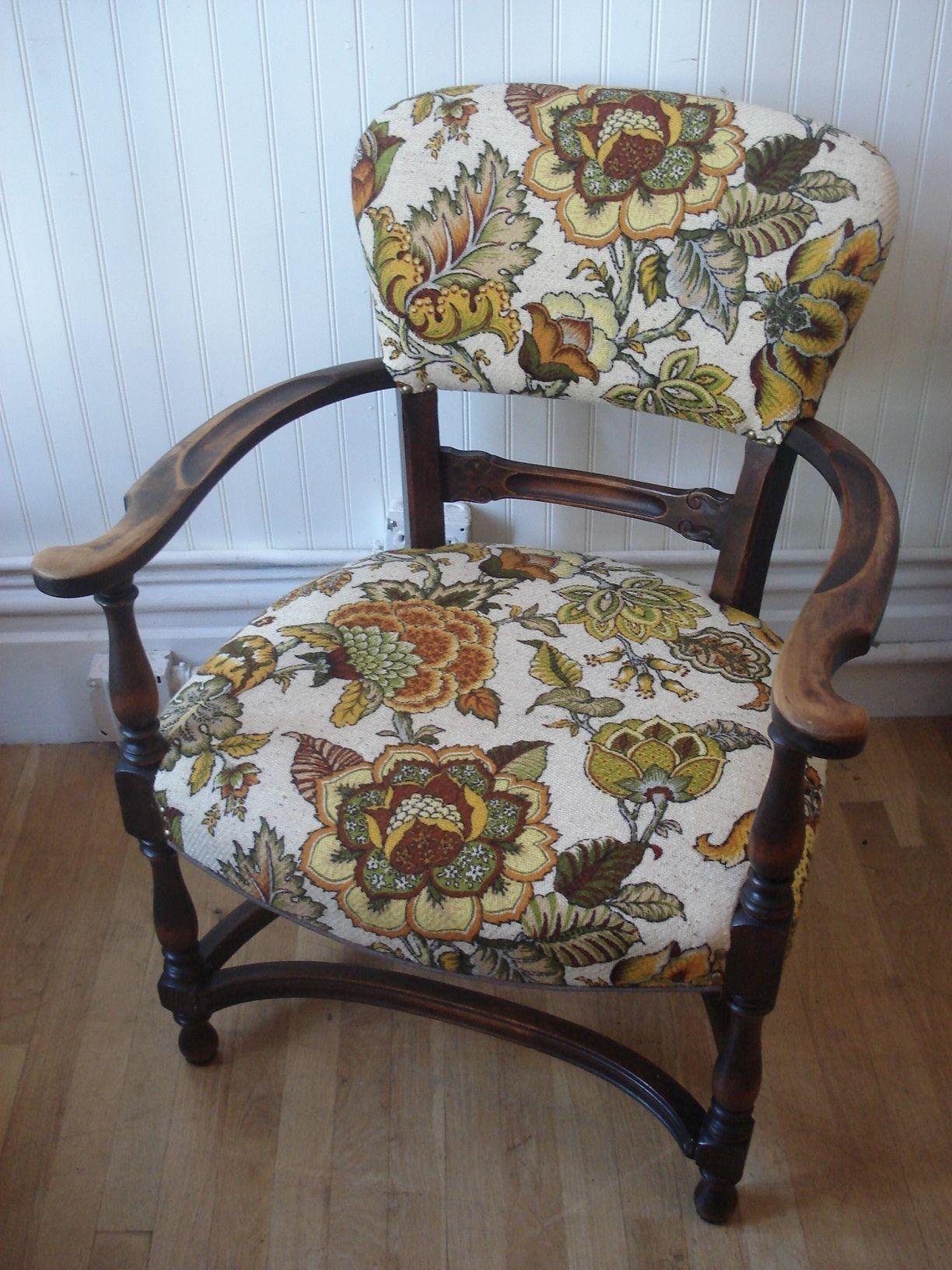 Google Image Result for http://swanketyswank.com/wp-content/uploads/2010/10/floral-burlap-chair.jpg