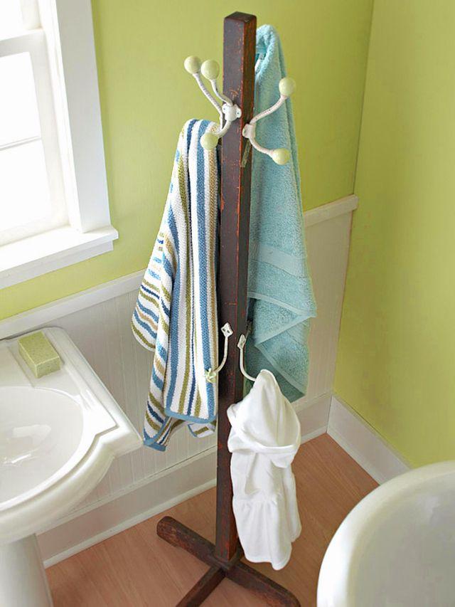 astuces intéressantes de rangement salle de bain   porte serviette