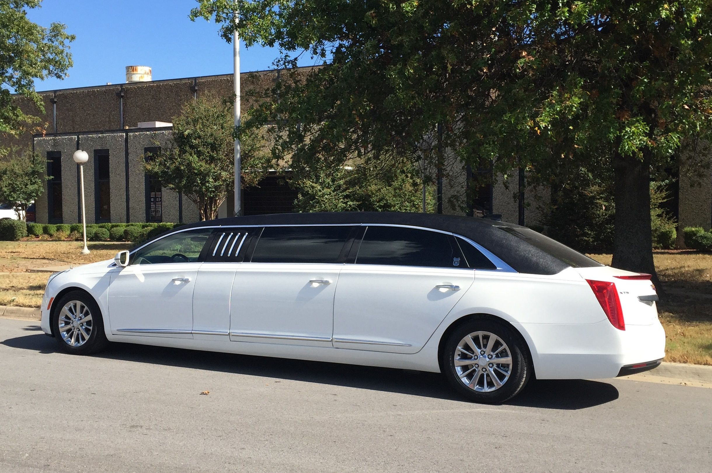2016 Cadillac XTS 70 Limousine by Armbruster Stageway