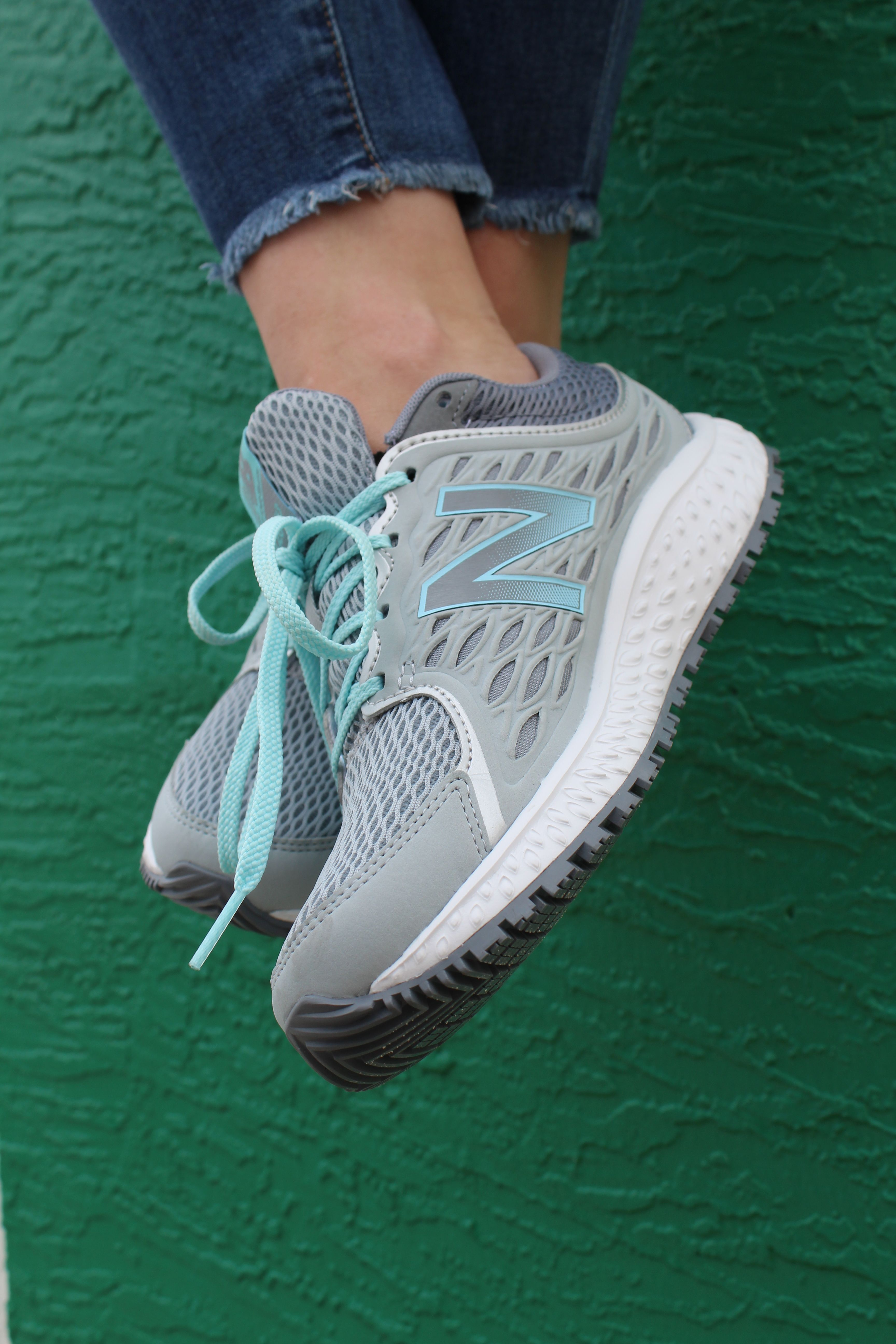 Athletic sneakers, New balance 420