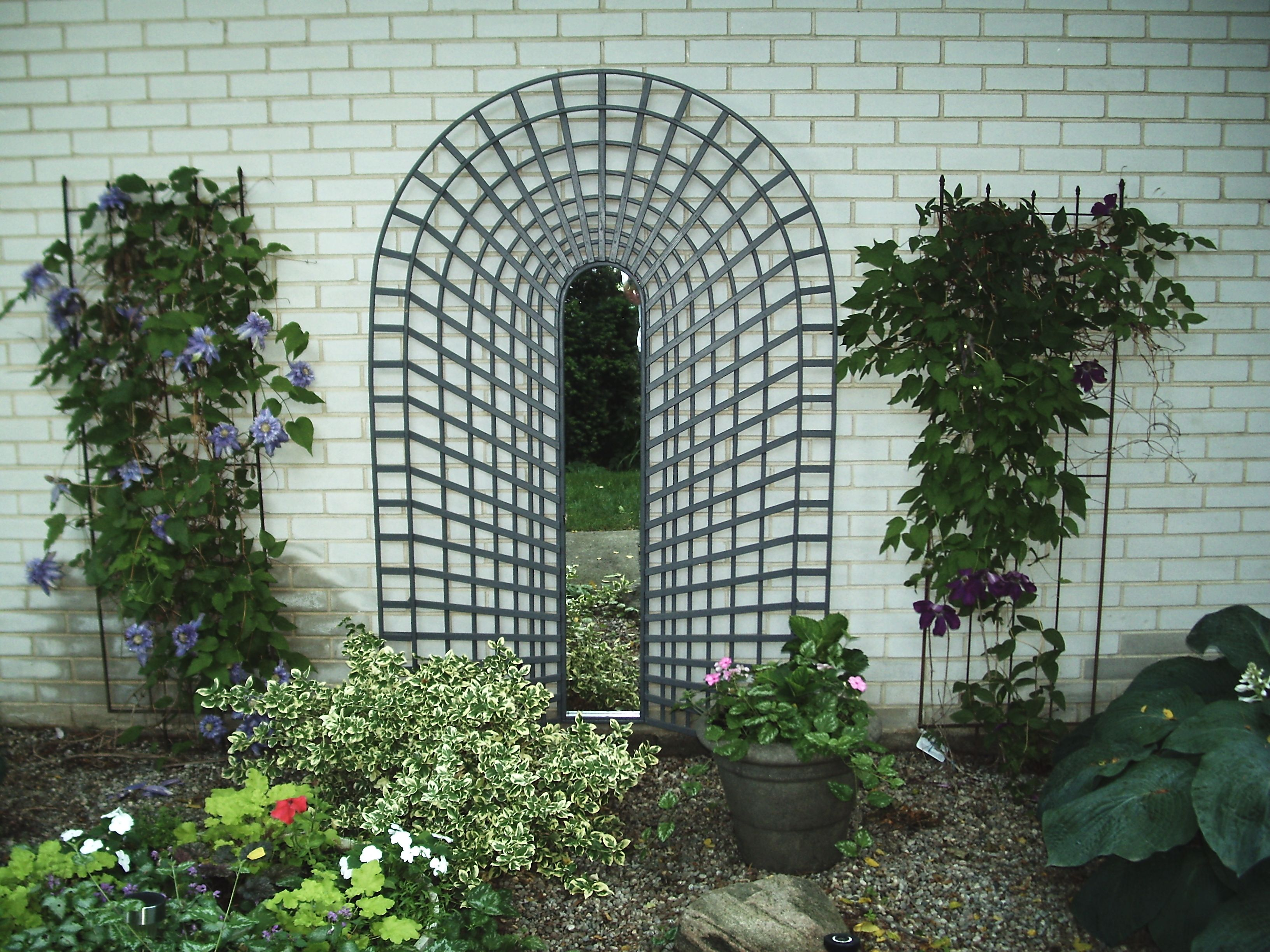 Garden Trellis Trompe L Oeil To Fool The Eye Hand