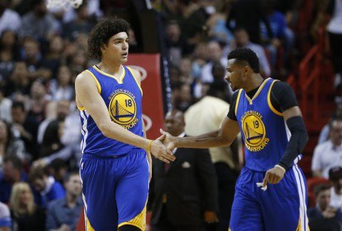 Green's miracle 3 helps Warriors keep home win streak...: Green's miracle 3 helps Warriors keep home win streak alive… #GoldenStateWarriors