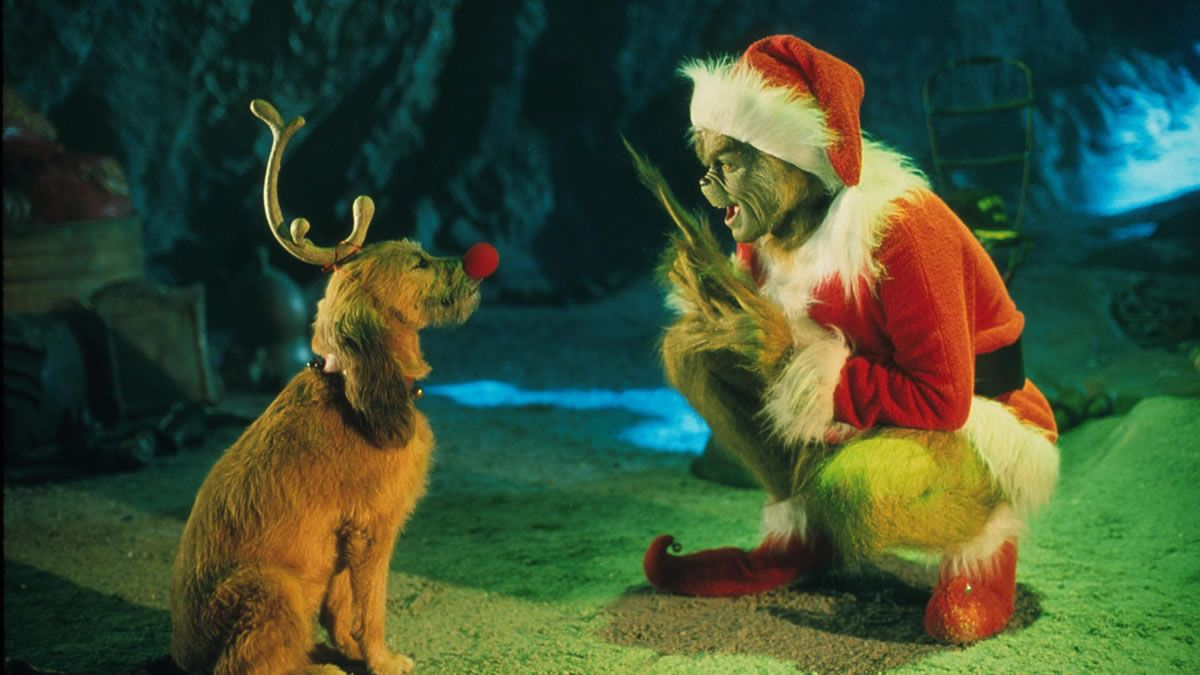 How The Grinch Stole Christmas 2000 Director Ron Howard Star Jim Carrey On The Outskirts Of Whoville Th Grinch Melhores Filmes De Natal 25 Dias De Natal