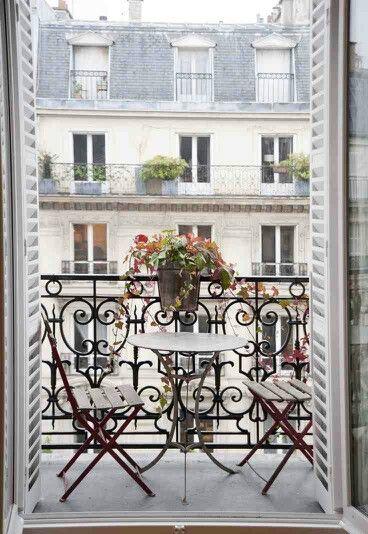 Adore this balcony