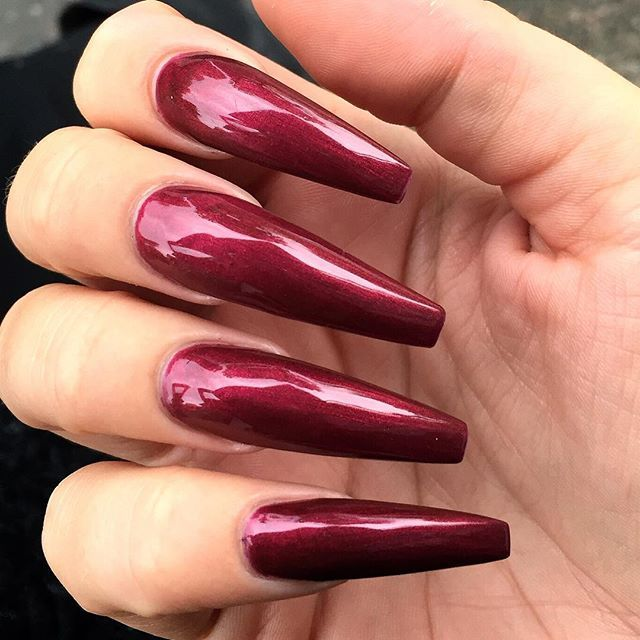 Absolutely fantastic claws!!!! Love the length and colour and shine ...