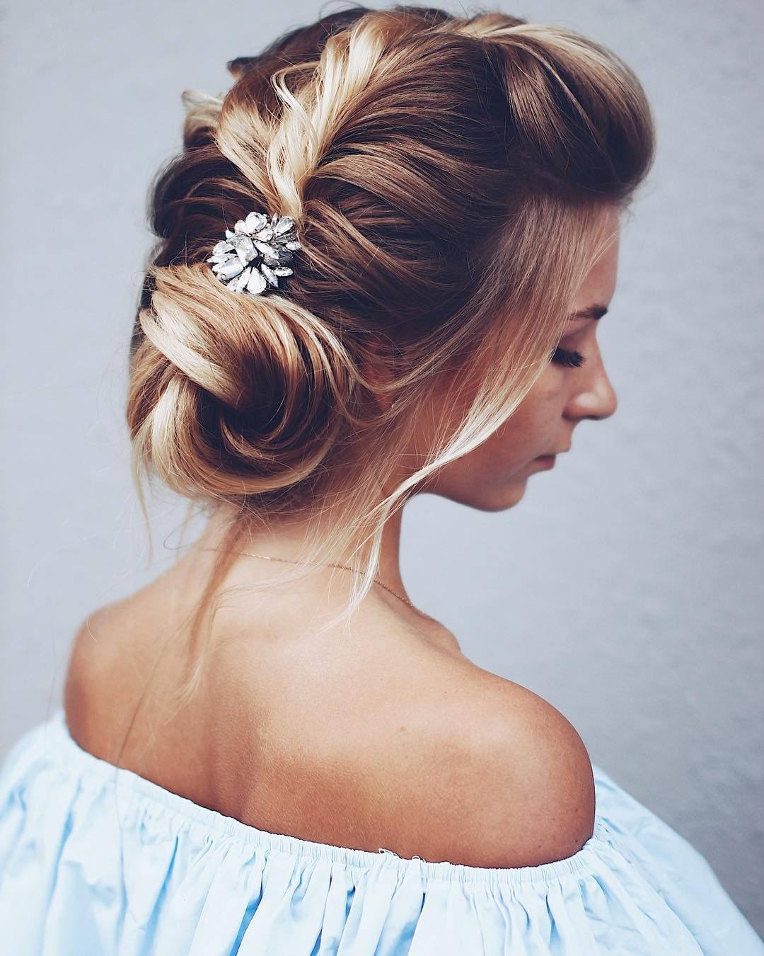 Twisted Updos Wedding hairstyle | fabmood.com #weddinghair #updobraid #updos bridal hair , hairstyle ideas #hairstyles #weddinghairs #weddingupdos