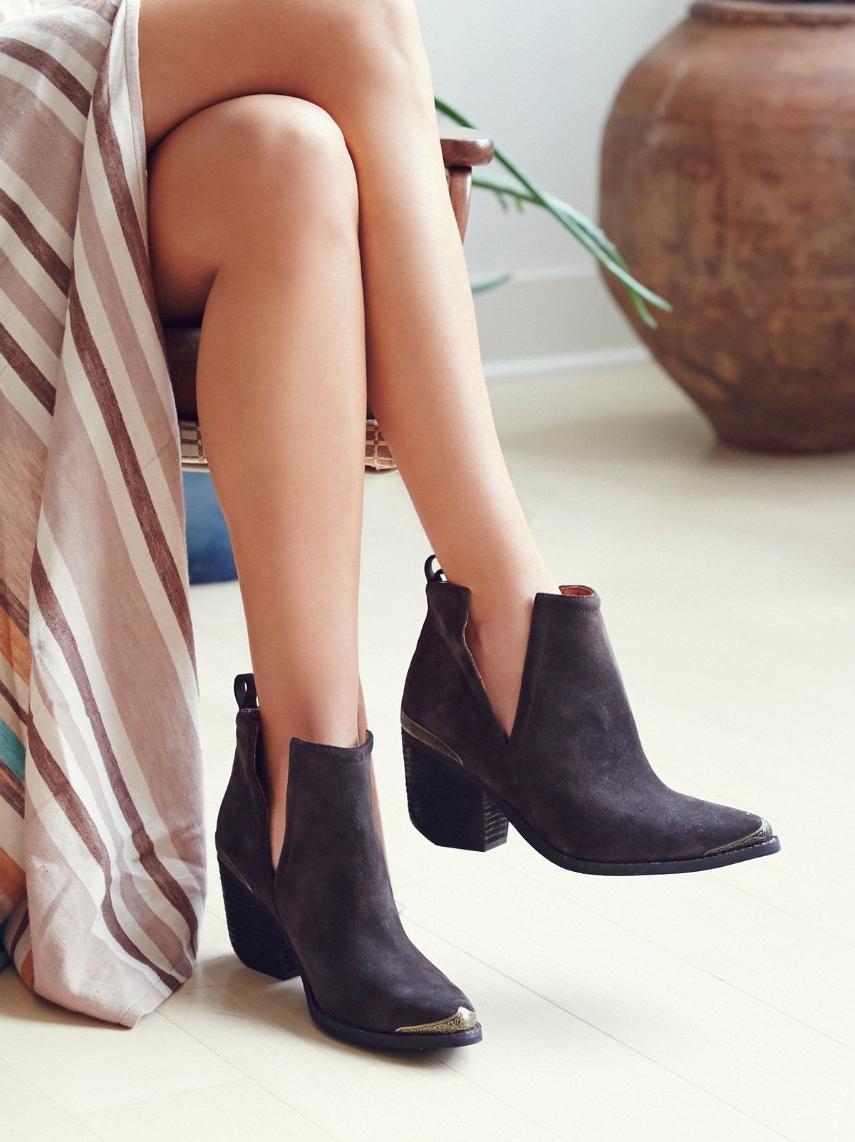 Hunt The Plains Boot. Suede Ankle ...