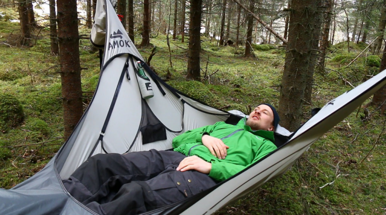 awesome hammock that allows you to lay flat or with the pull off a strap awesome hammock that allows you to lay flat or with the pull off a      rh   pinterest