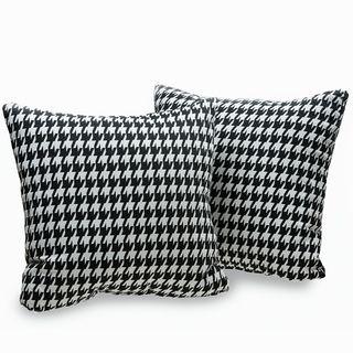 Harvard Houndstooth 18-inch Decorative Throw Pillows (Set of 2)