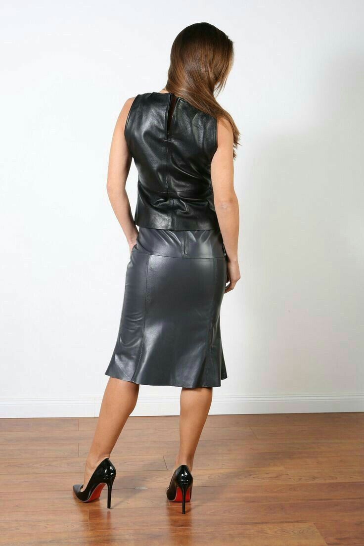 44fe1a49ea67 Gray leather flared skirt and black leather top | Leather ...