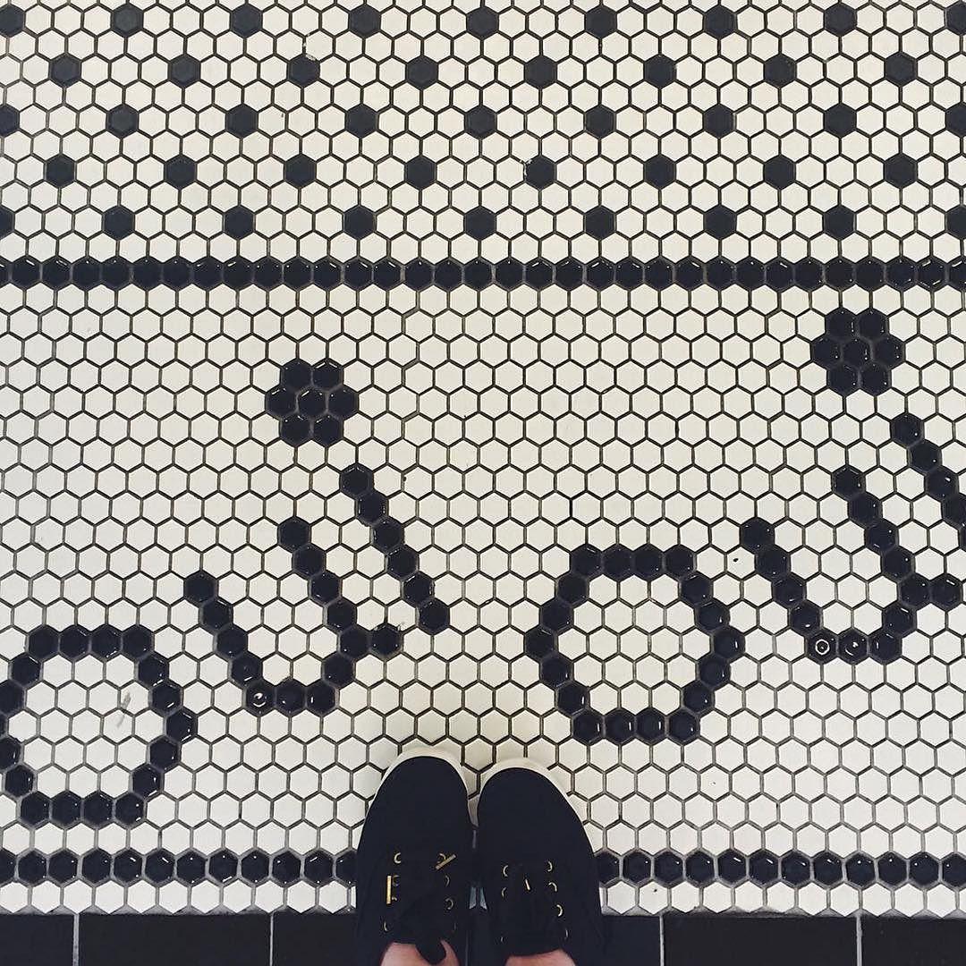 www.littlerugshop.com New week fresh start. Oui indeed.  by @laurenxmeyer in #dsfloors by designsponge