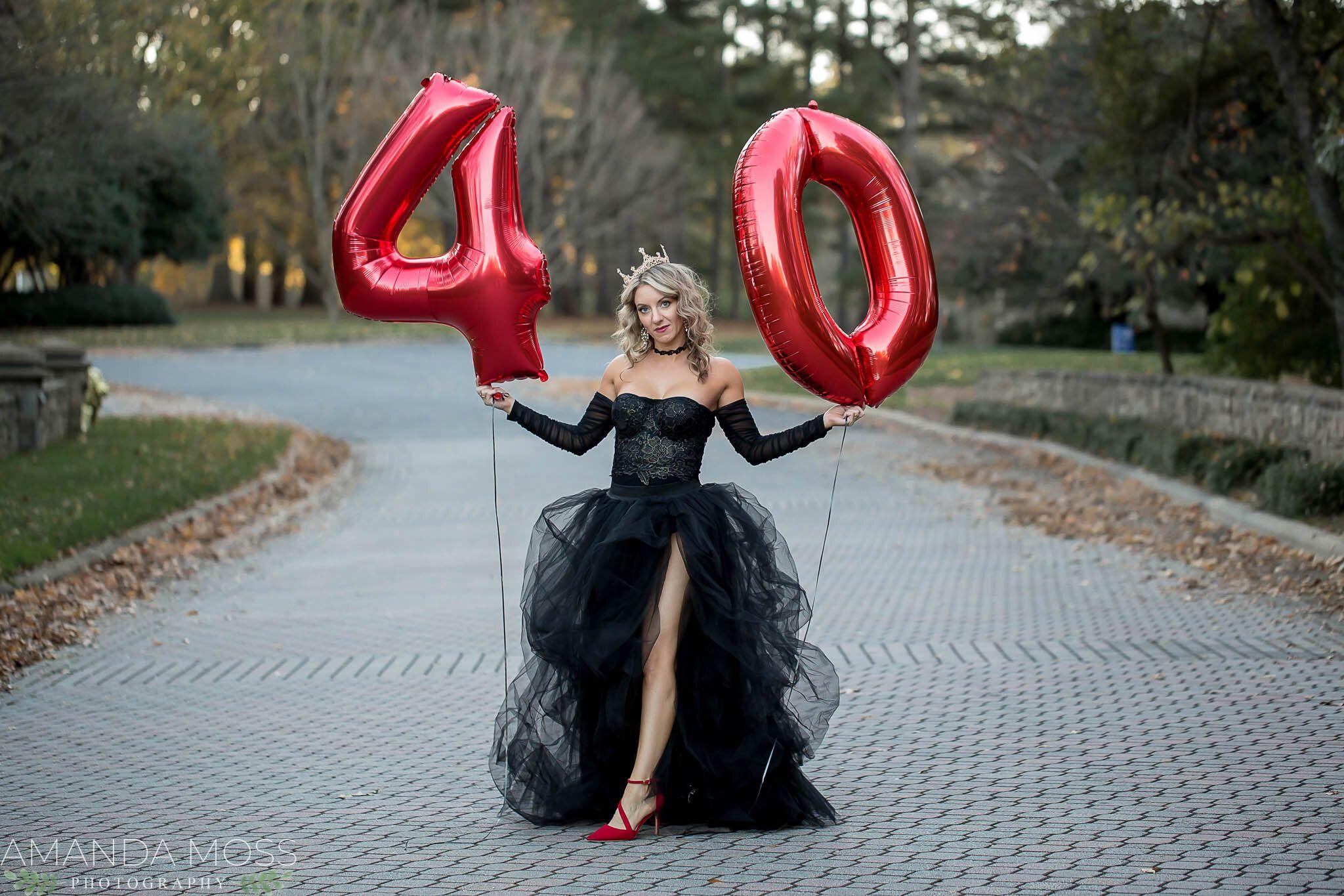 40th Birthday Session Tyvola Business Park Amanda Moss Photography Charlotte Wedding Photographer In 2021 Birthday Photoshoot 40th Birthday Birthday Dress Women [ 1365 x 2048 Pixel ]