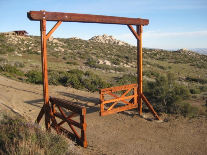 Ranch entrance ideas purpose and elegance i really for Ranch entrances ideas