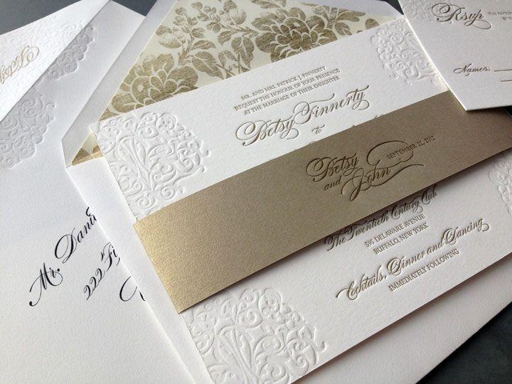 2751fb578a783 Lazo en dorado estampadas en bajo relieve Boda Sencilla Y Elegante
