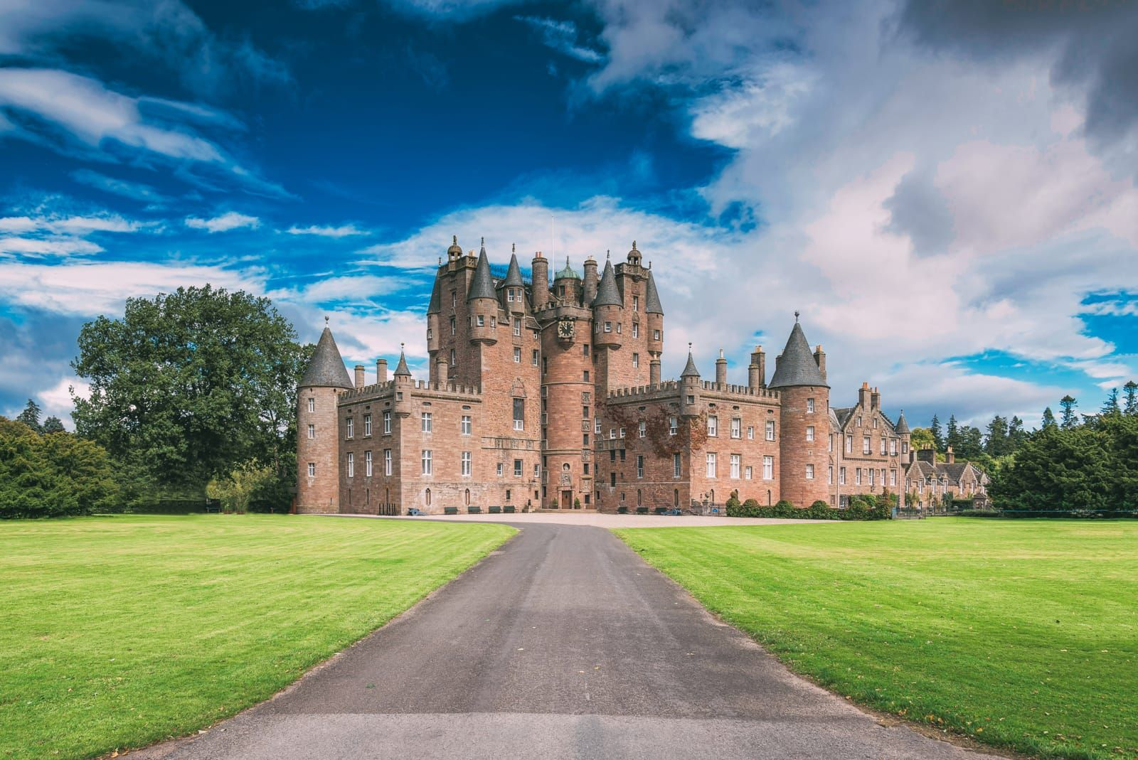 500+14 Best Castles In Scotland To Visit