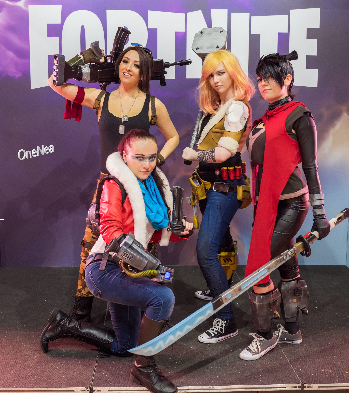 Fortnite Halloween Outfits Releasing 2020 Fortnite season 3 release postponed in 2020 | Fortnite, Video game