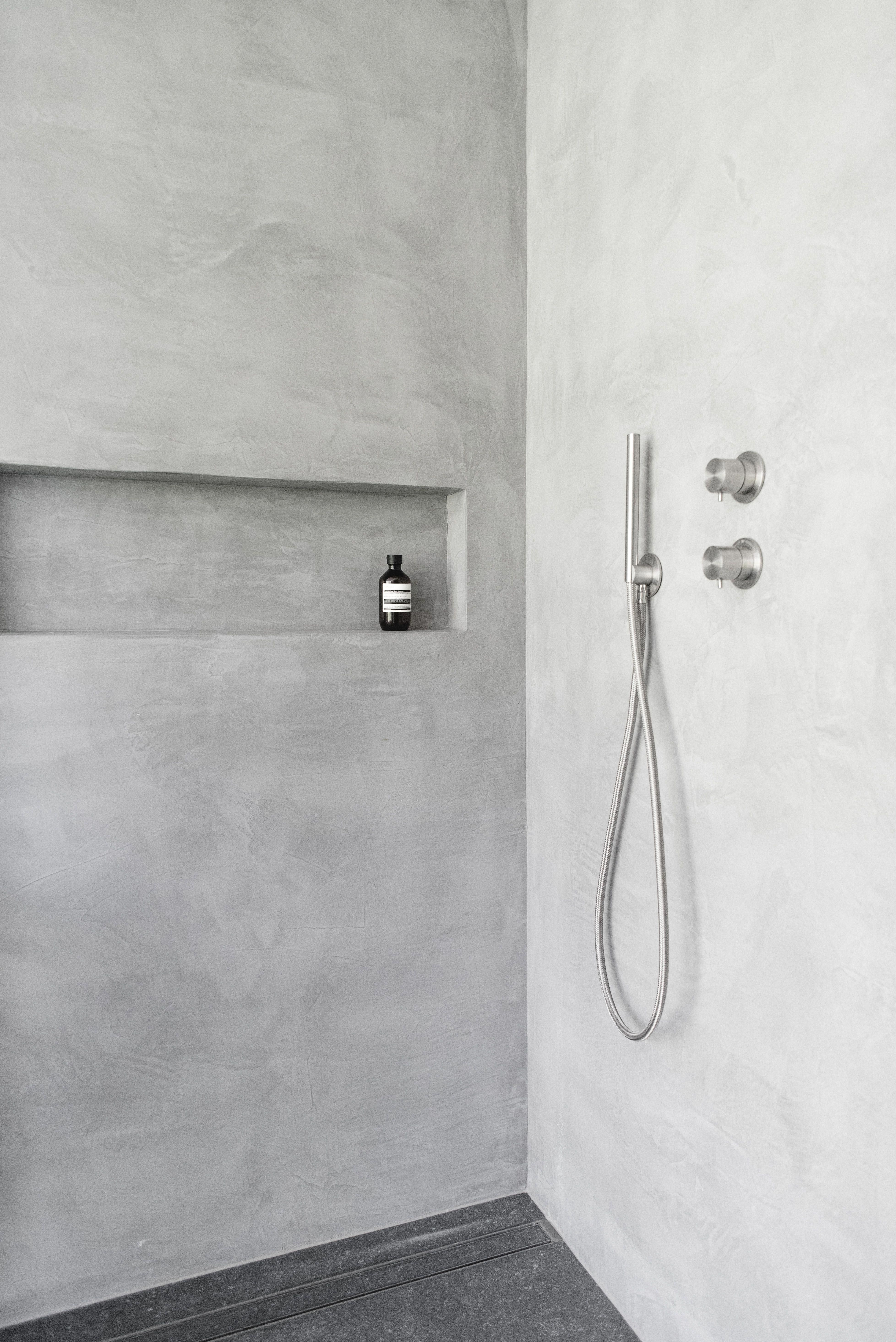 Micro Cement Shower Surround Douche Italienne Beton Cire Polishedconcrete Italianshower Swiss Badezimmer Beton Dusche Badezimmer Umbau