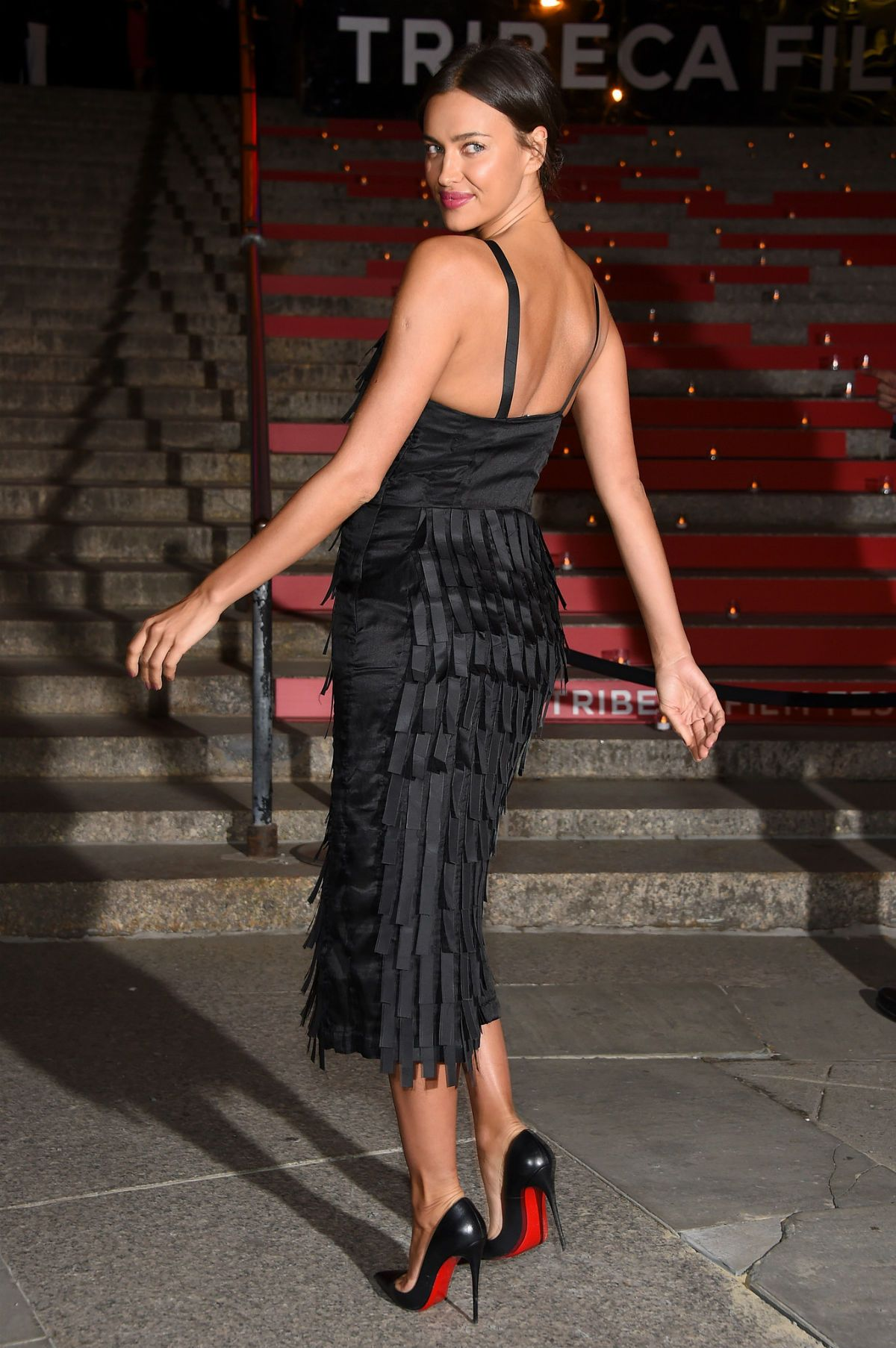 389e2ef3b34 Irina Shayk in heels