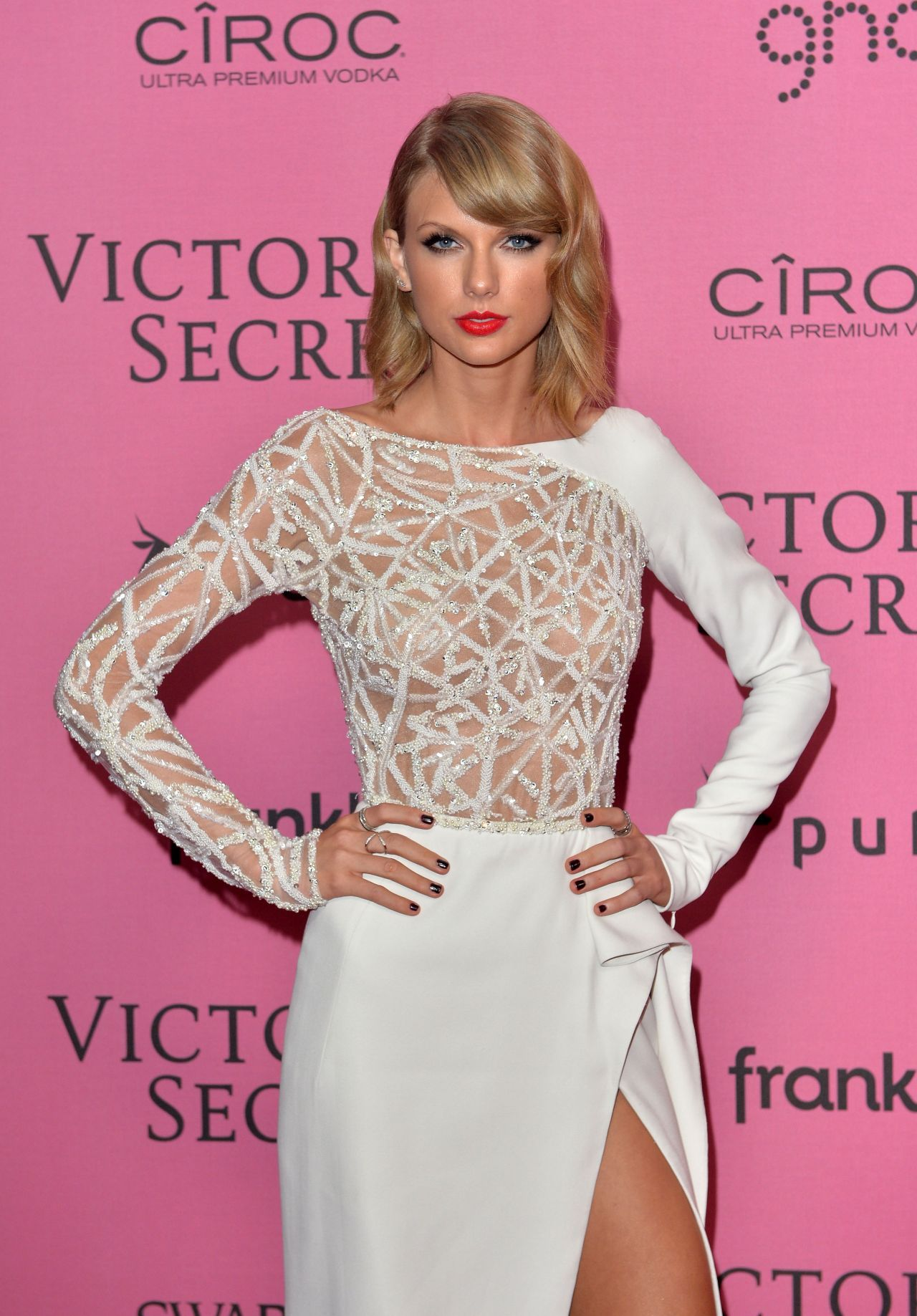 4666042072e Taylor Swift – 2014 Victoria s Secret Fashion Show in London – After Party