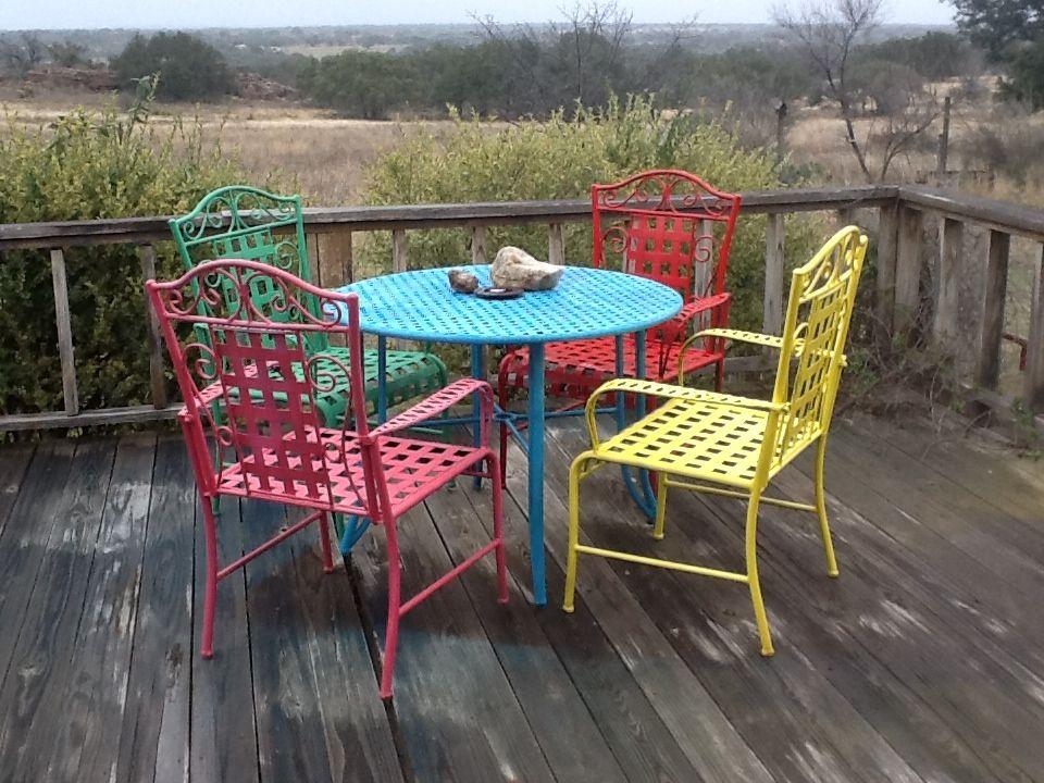 Spray paint outdoor furniture for a fiesta look! | DIY Ideas ...