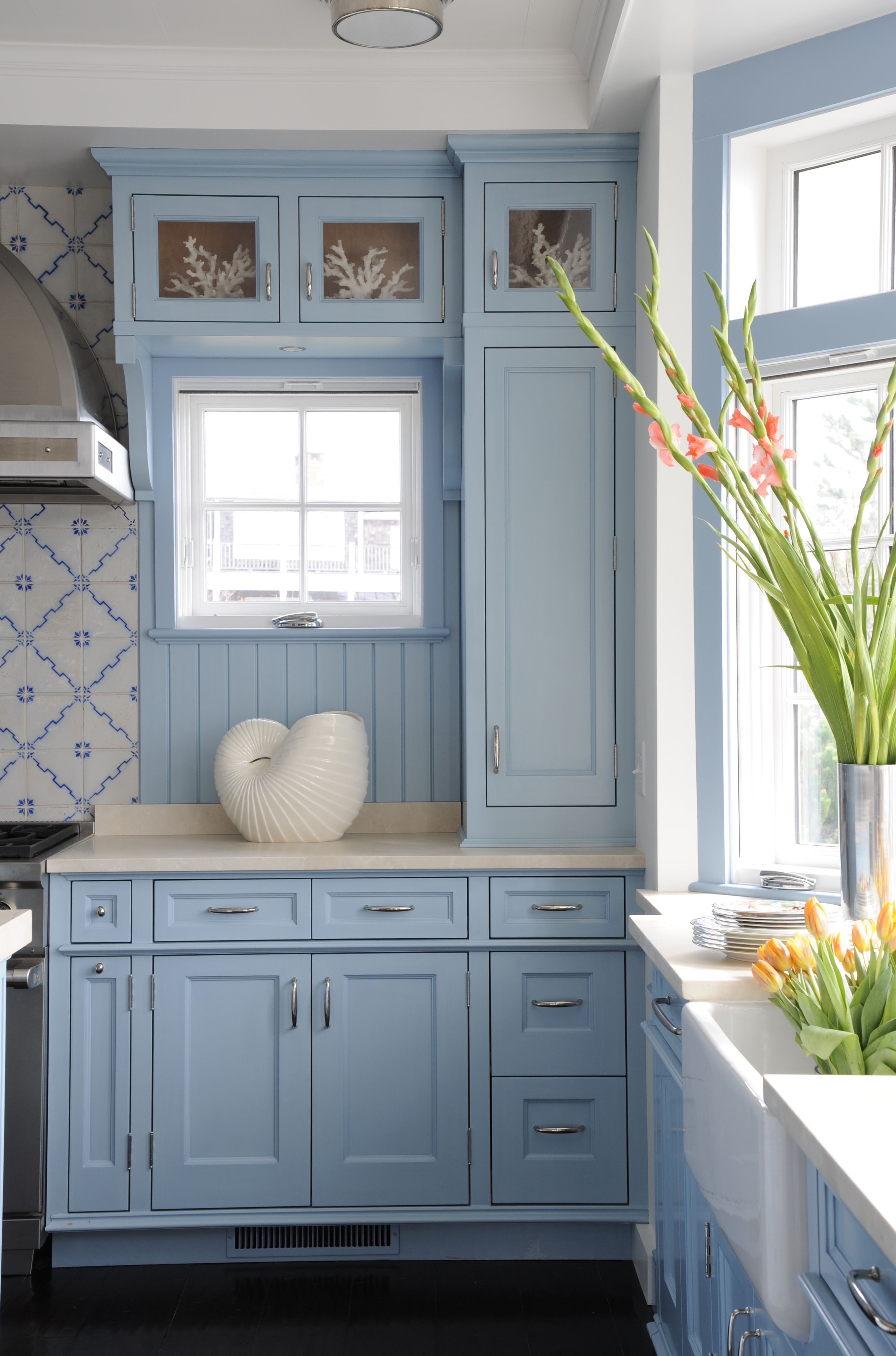 multi purpose beach inspired blue kitchen great for weekend parties by sarah blank design on kitchen decor blue id=78953