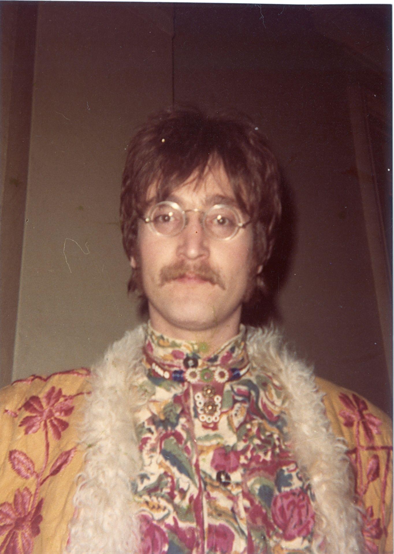 Fotos de Lizzie Bravo quando acampava na Abbey Road
