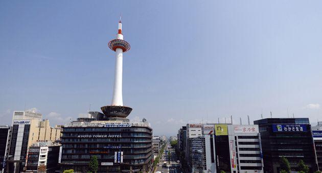 Politics 屋内における喫煙を規制する条例が、2011年に施行された神奈川県につづいて兵庫県でも2013年に施行されることが決まっているが、京都府では自治体主導の条例による規制ではなく、官民一体となって自主的な取り組みを進めるためのルール作りが始まった。官民双方の代表者が顔を揃えて協力しながら検討を進めるという試みに注目が集まっている。