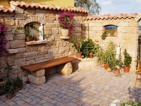 best steinmauer garten mediterran photos - whartonsoccer, Gartenarbeit ideen