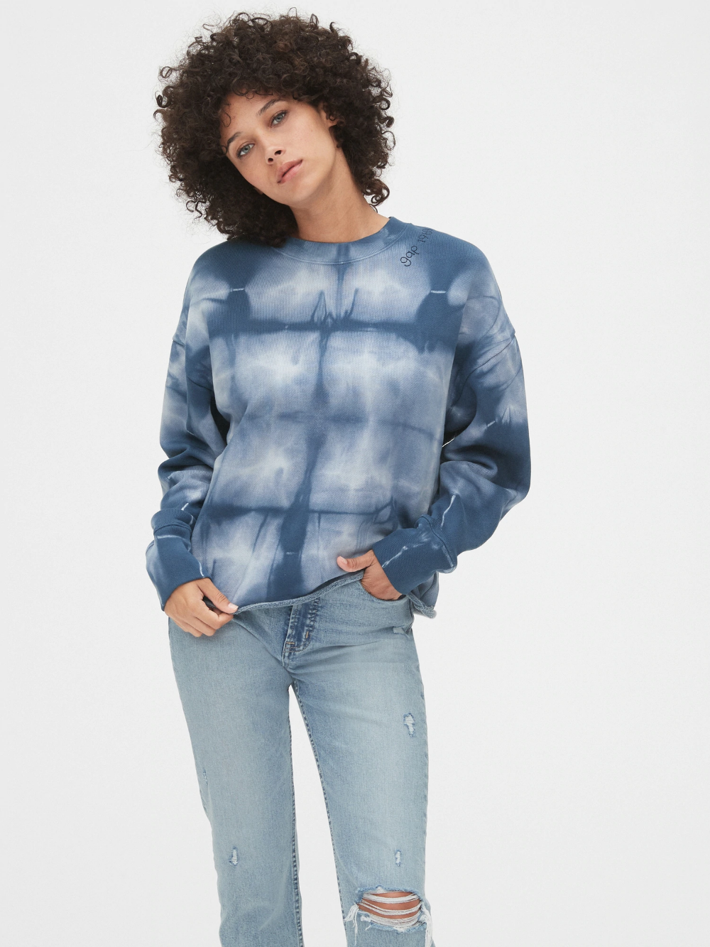Gap 50th Anniversary Embroidered Crop Crewneck Sweatshirt Gap Women Clothes Sale Women Sweatshirts Women [ 1333 x 1000 Pixel ]