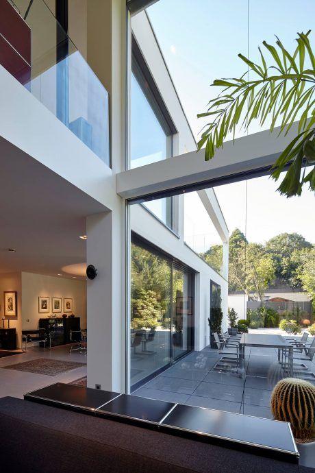 Villa in Dormagen by Falke Architekten | HomeAdore | decoration ...