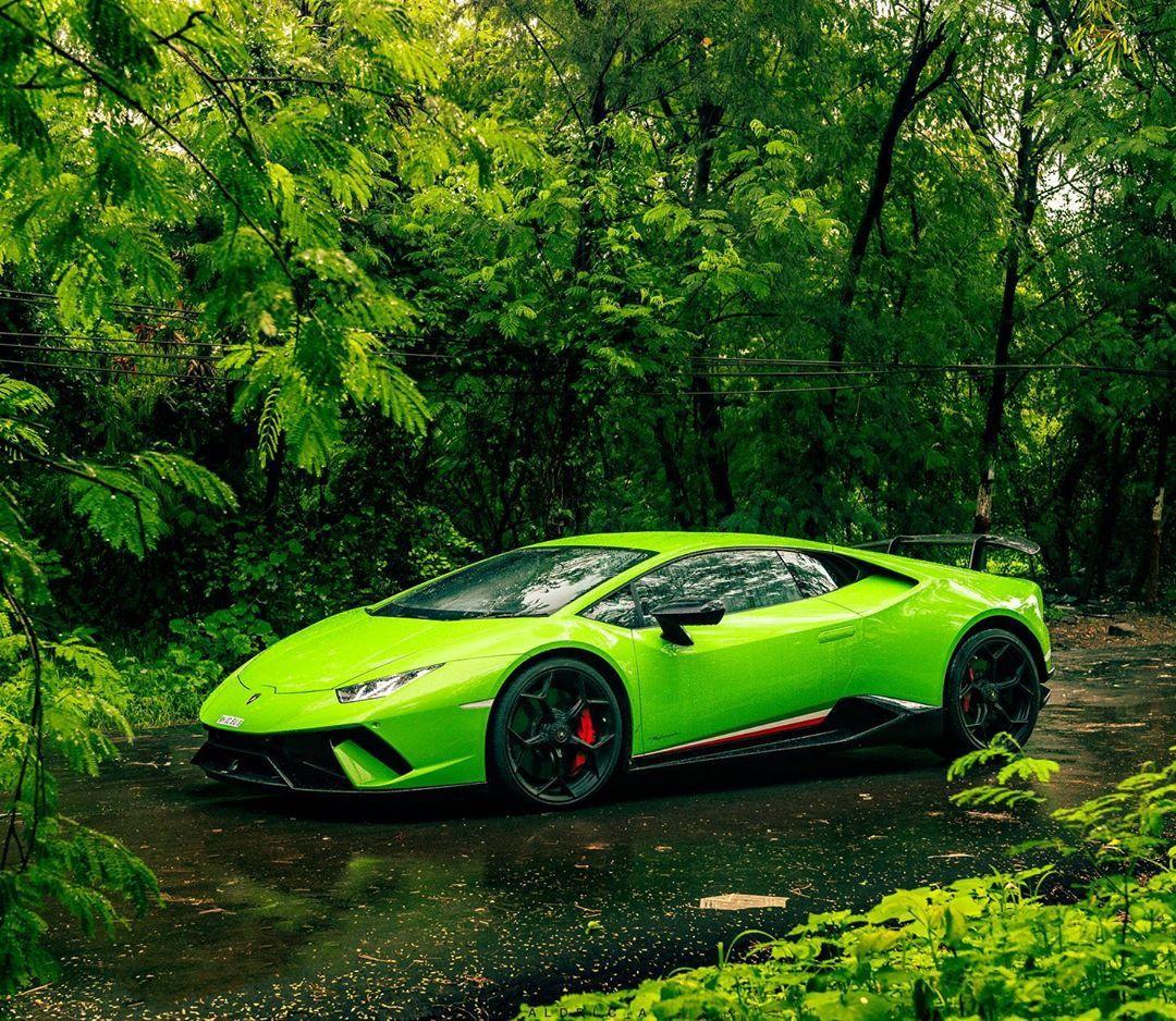 33+ Green supercar Wallpaper