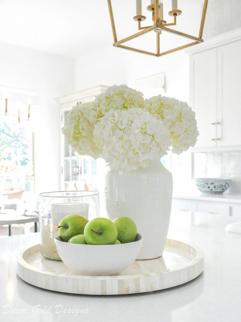 white home accessories kitchen vignette #whitehydrangeas #homedecor #homeaccessories #whitevase