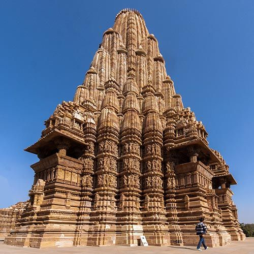 The Hindu Temple As A Model Of Fractal Cosmology Forecasting Architecture With Recursive Instruction Hindu Temple Temple Architecture Temple