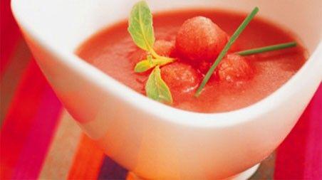 Recetas saludables para el verano: Gazpacho de sandía