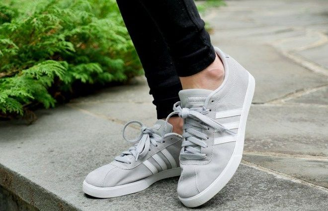 competitive price a1cce b4fe5 adidas Womens Courtset Sneaker . Price 26.33 - 108.31. -100% Leather and