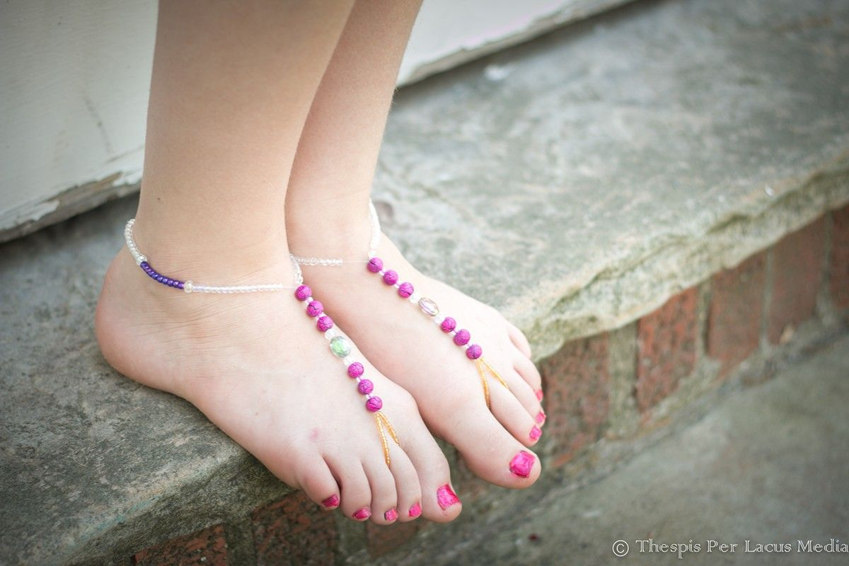 PIcture by Thespis Per Lacus Media. Barefoot Sandals by sawitboughtit.etsy.com
