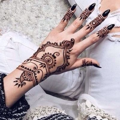 35 Incredible Henna Tattoo Design Inspirations henné