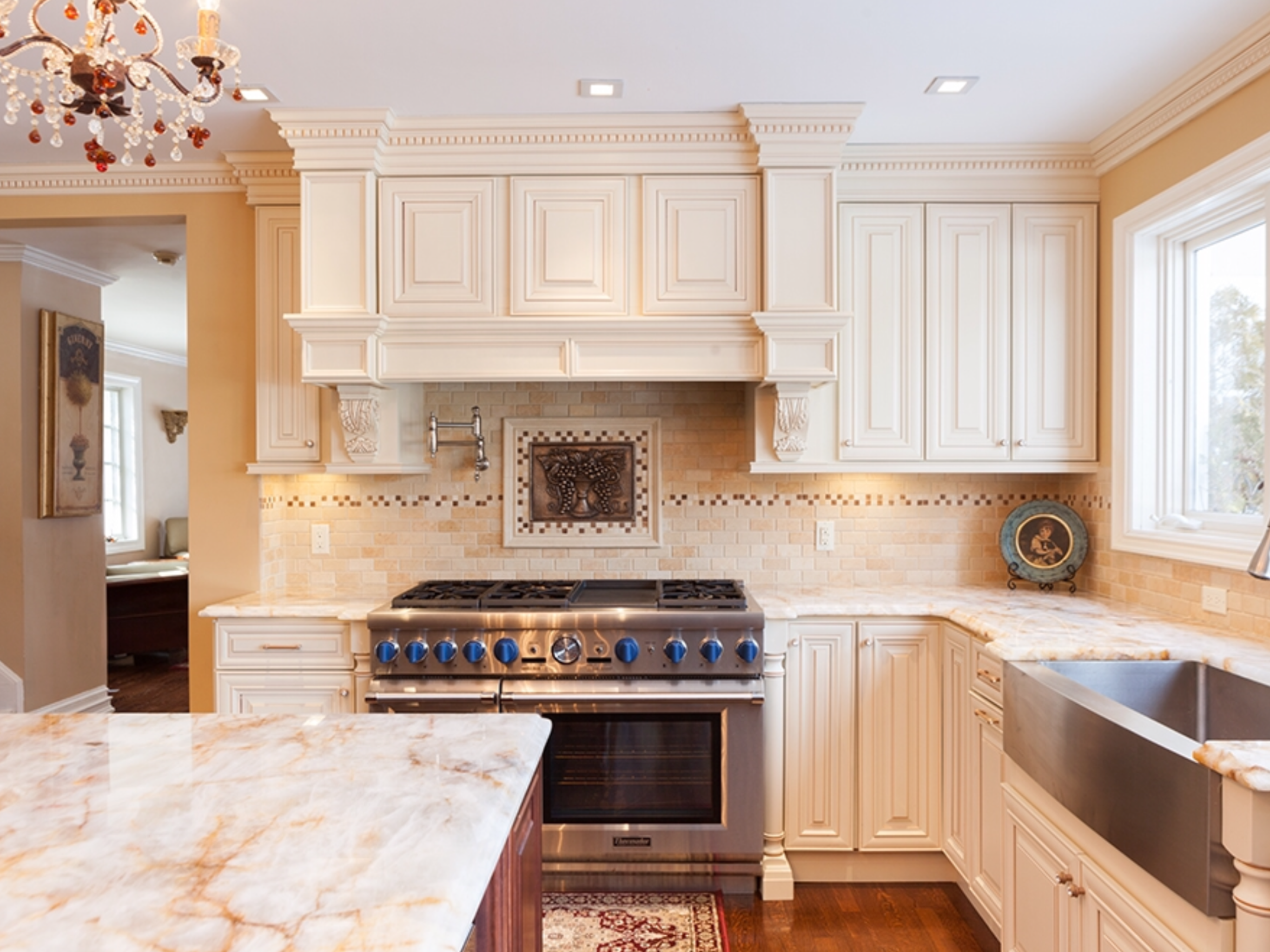 Pin by abc kitchens on Creme Maple Glazed Cabinets ...