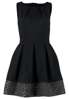 Dieses Kleid überzeugt mit seinem stilechten Retro-Charme ...