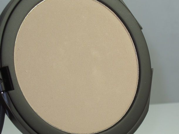 Smooth Operator Amazonian Clay Tinted Pressed Finishing Powder by Tarte #11