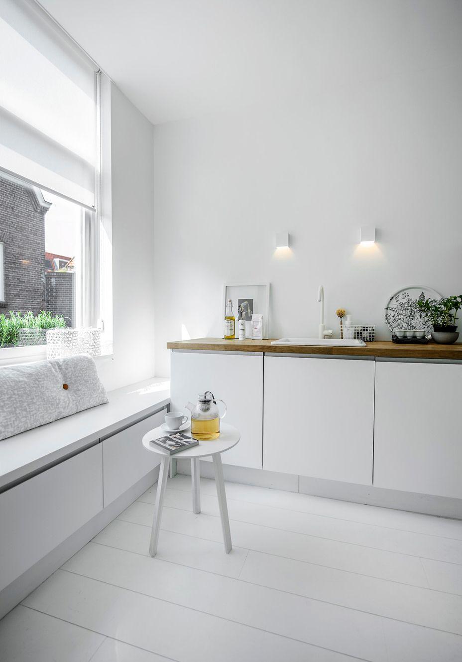 Bench Under The Window / White Minimalistic Kitchen Design