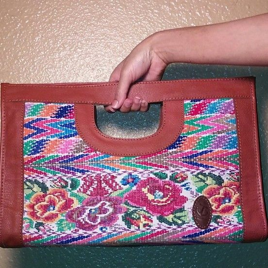 Bordado huipil clutch purse